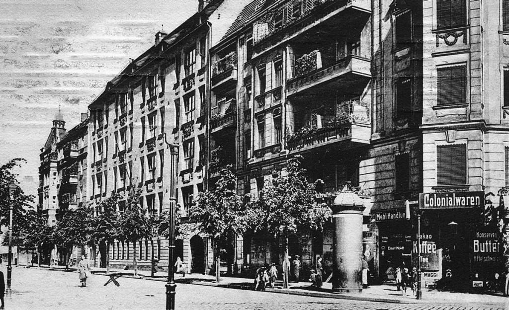 Grundschule in der Scharnweber Straße nach 1907  Foto: Archiv Ralf Schmiedecke