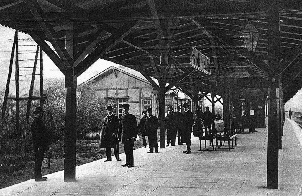 Auf dem S-Bahnhof Frankfurter Allee um 1900  Foto: Archiv Ralf Schmiedecke