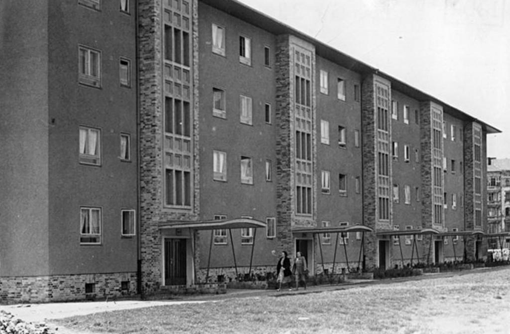 Wohnblock in der Graudenzer Straße, 1952 / Foto: Heinz Funck, Bundesarchiv Berlin