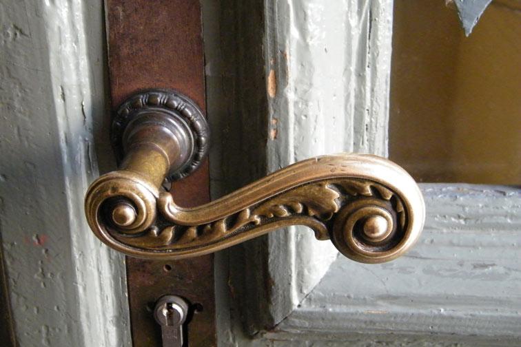 Tür in der danziger50: Öffnen lohnt sich. /Foto: Barbara Schwarz /