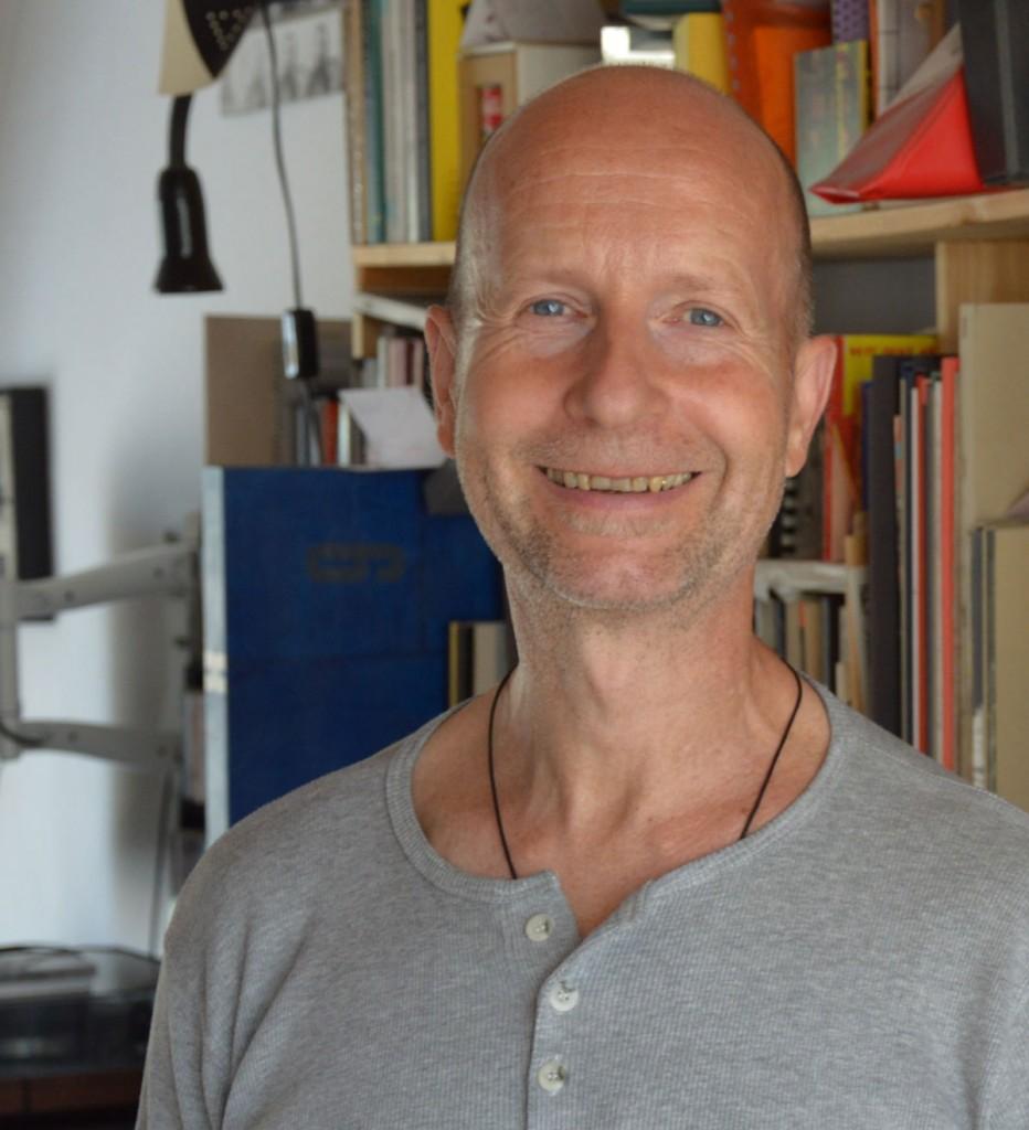 Der Künstler und Herausgeber Uwe Warnke