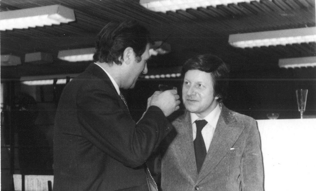 Bruno Flierl zum 50. Geburtstag 1977 im Gespräch mit dem Stadtbaudirektor der DDR-Hauptstadt, Roland Korn Foto privat