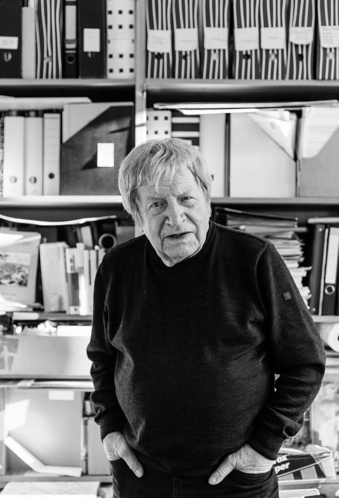 Bruno Flierl in seinem Arbeitszimmer / Foto: Giovanni Lo Curto /