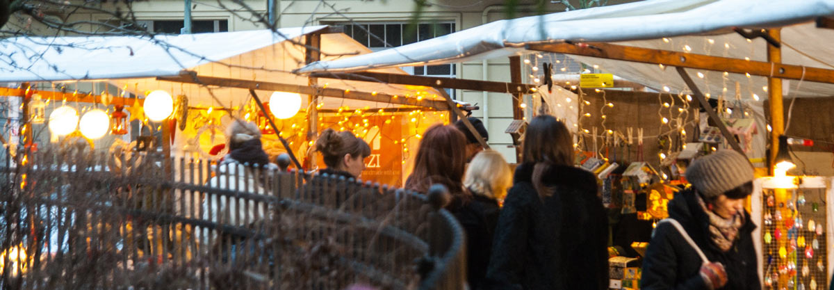 Gemütlich, besinnlich, traditionell: Der Weihnachtsmarkt im Kiez in riedrichshain. / Foto: Steffen Belz /