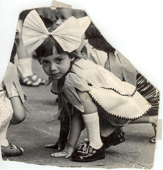 Diana Kleene, als Blümchen verkleidet. / Foto: privat /