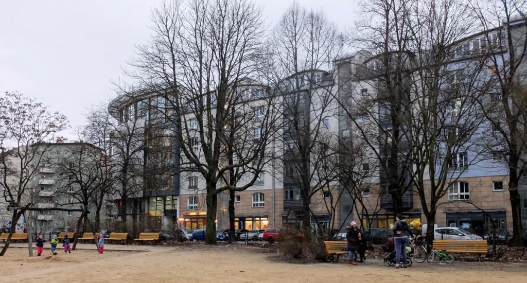 Der Comeniusplatz heute: Ruhiger Ort für Kinder und Erwachsene. / Foto: Detlef Krenz /