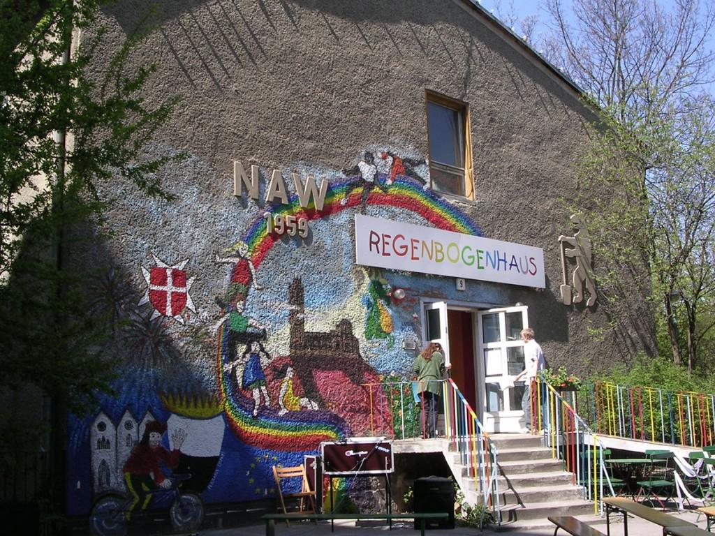 Das Regenbogenhaus 2005. / Foto: Fritz Wollenberg/