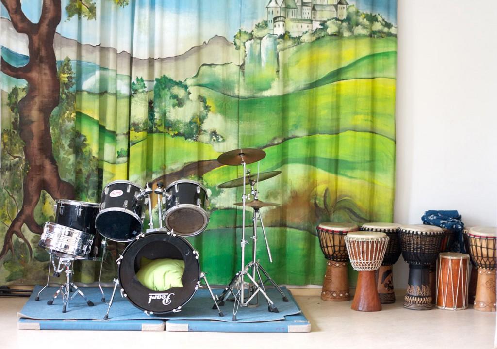 Musikraum im Regenbogenhaus. / Fotos: Anne Winkler/