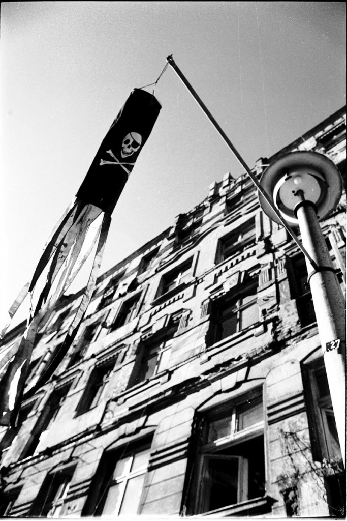 Rigaer Str. 83, fotografiert 1995 / Foto: Berndt Potschka /