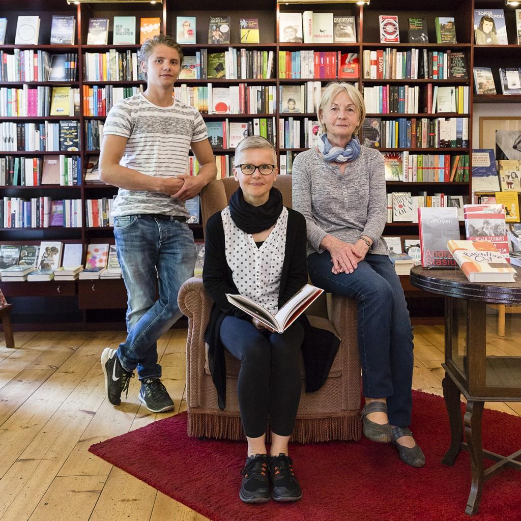Buchhändlerin Beate Klemm mit Familie / Foto: Giovanni Lo Curto /