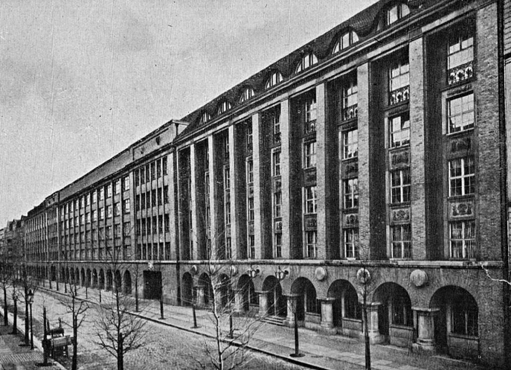 Das Knorrgebaeude, wie es 1922 im Firmenkatalog abgebildet war.