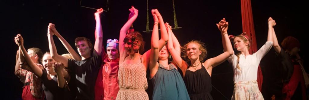 Zirkus Zack– Applaus fuer die Akteure, Foto: Zirkus Zack