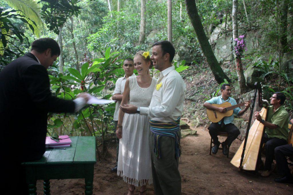 Anne Mieth und Rodrigo Franco geben sich im paraguayischen Urwald das Ja-Wort, Foto: privat