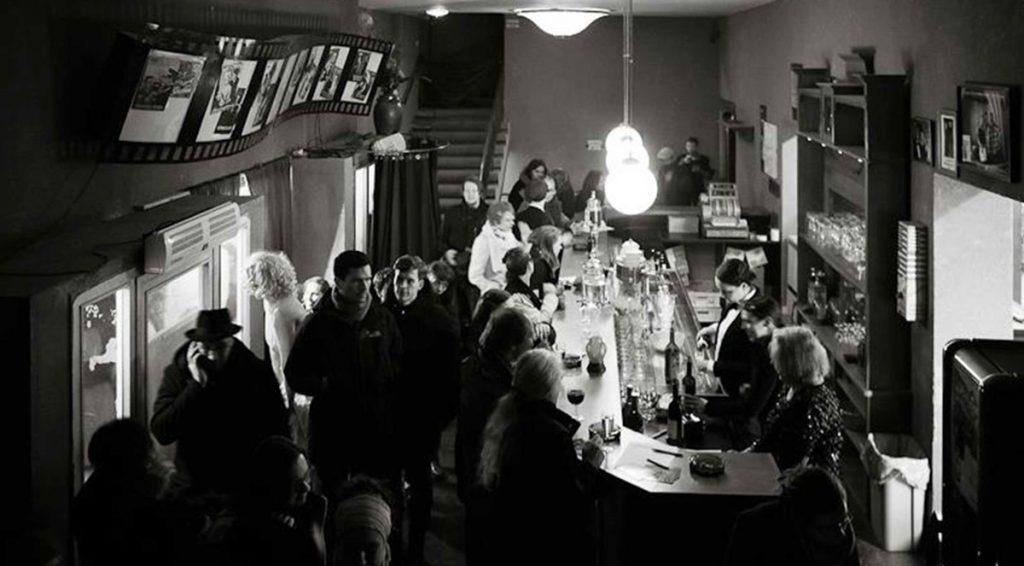 Bar im Foyer des Kinos, Foto: Schneider, Stinehelfer GbR