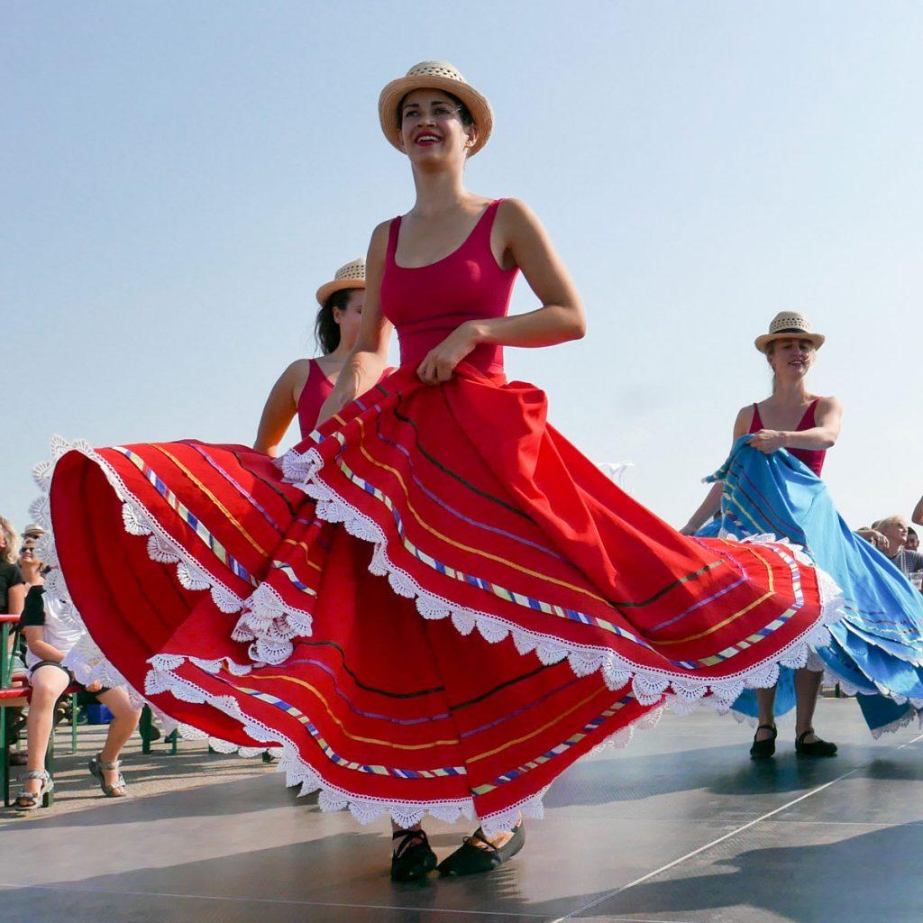 Frauentagsrevue mit dem Tanzteam Step by Step