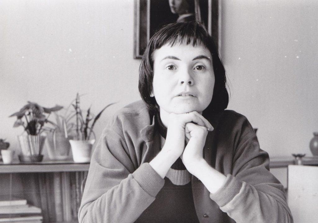 Graphikerin Regina Gebhard, 1957 in der Karl-Marx-Allee. Foto: privat