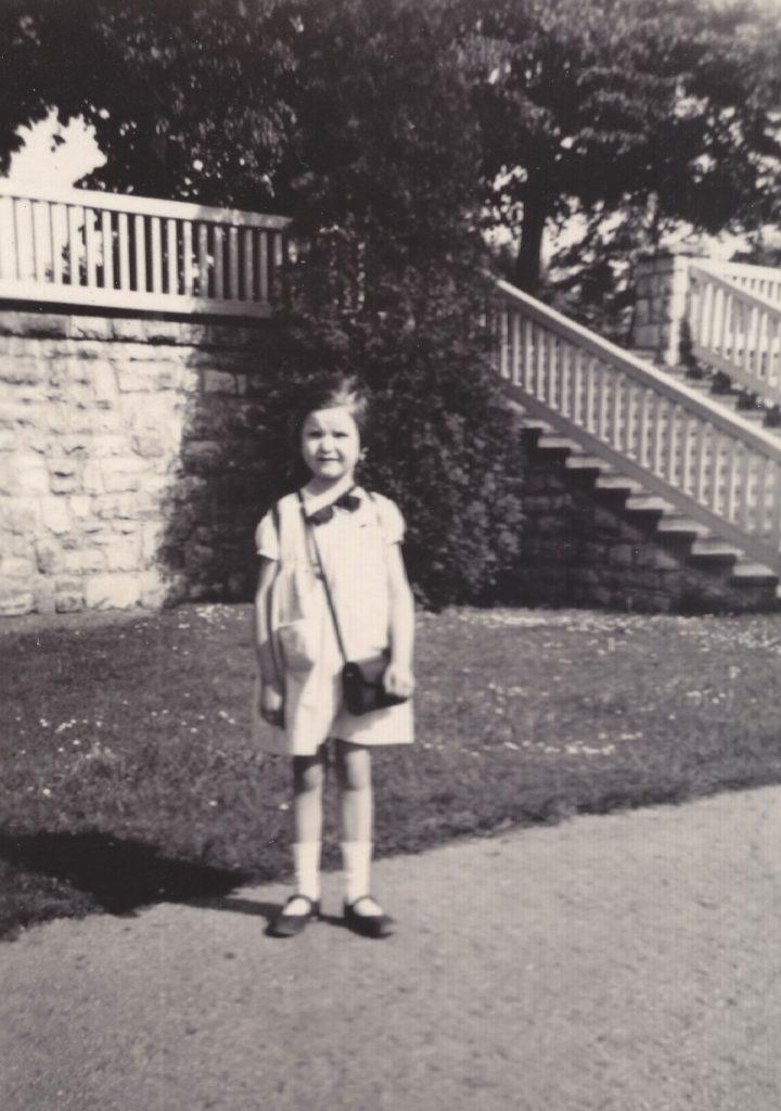Regina Gebhard als Sechsjährige in Karlshorst , Foto: privat