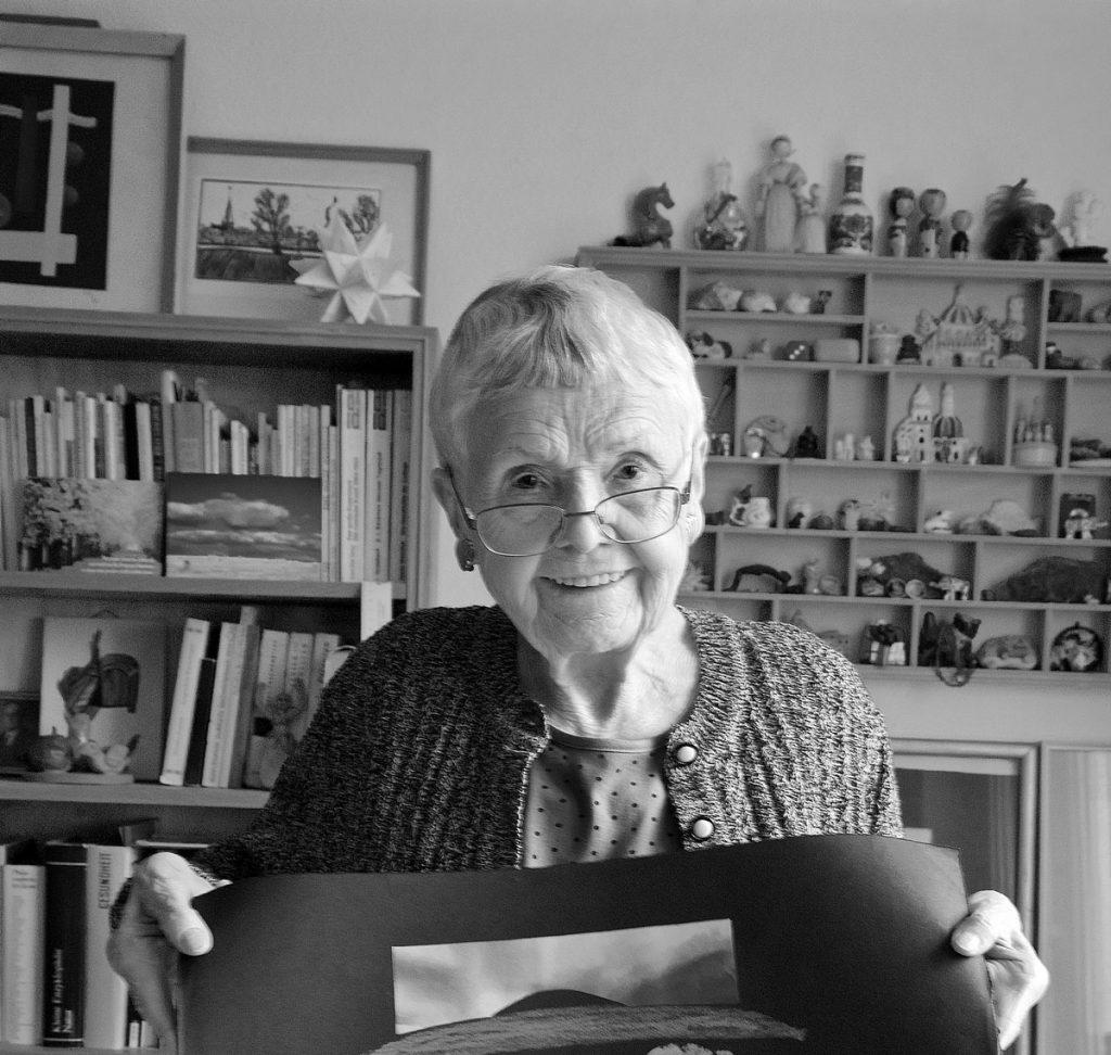 Die Graphikerin Regina Gebhard