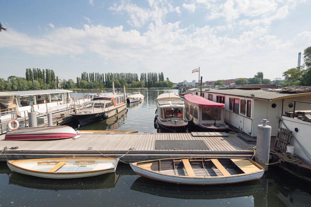Steg des Schiffskontors in Stralau 2017, Foto: Giovanni Lo Curto