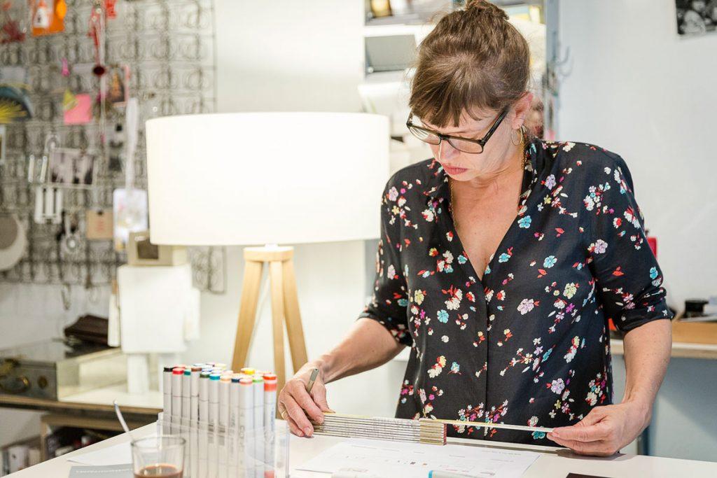 Angelika Mende bei der Arbeit, Foto: Giovanni Lo Curto