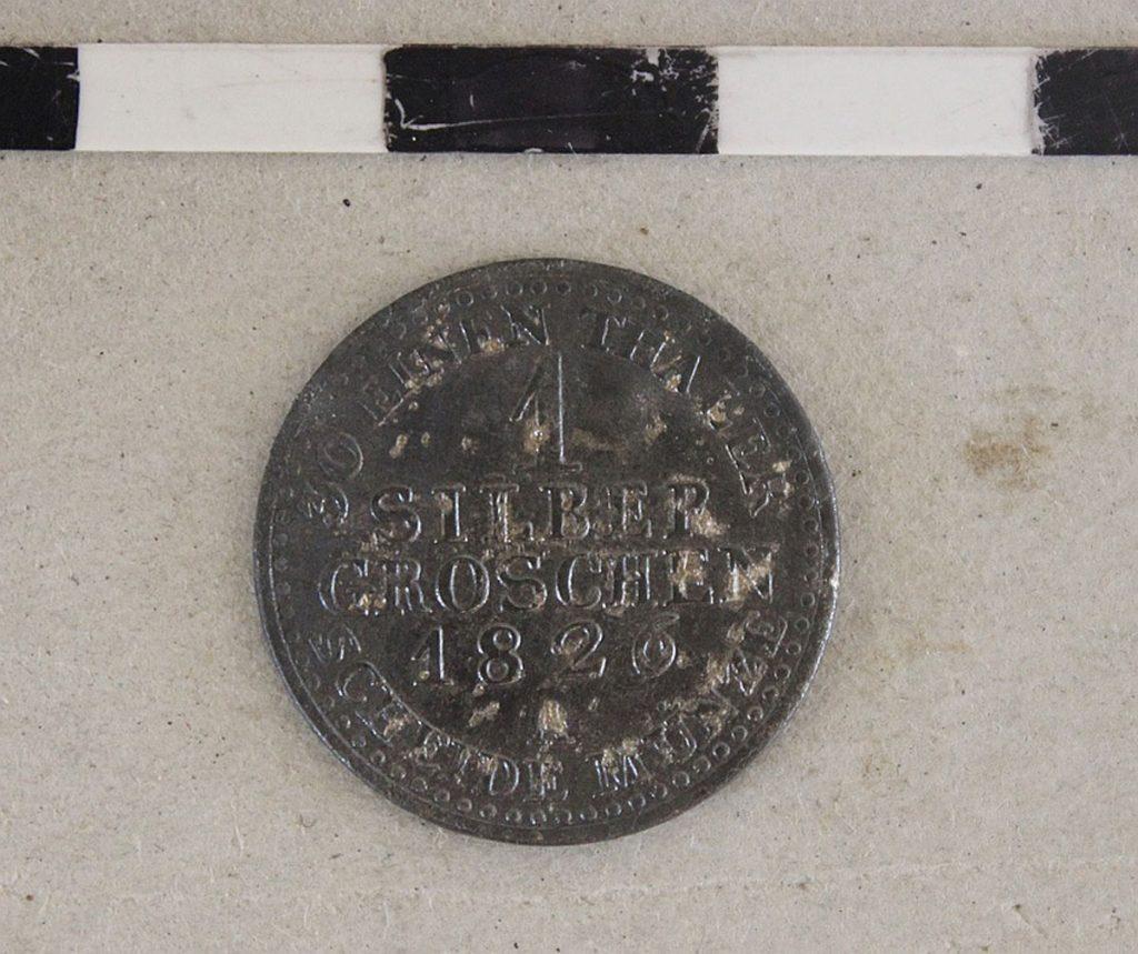 Silbergroschenfund aus Grab Nr. 183/1. Foto: Archäo Kontrakt