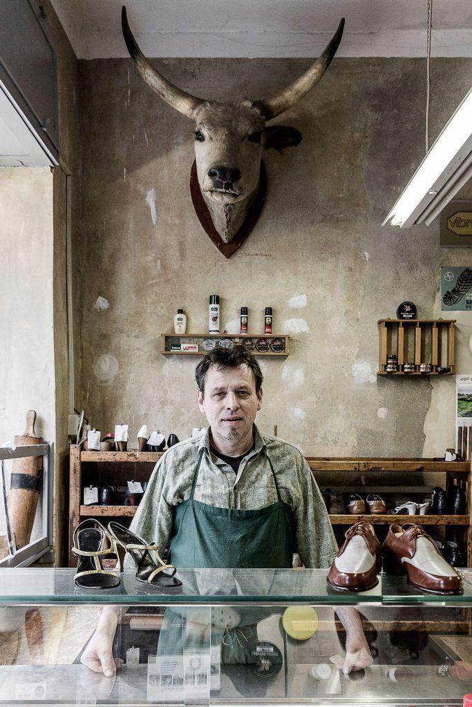 John O'Hara in seiner Schumacherwerkstatt |Foto: Giovanni Lo Curto