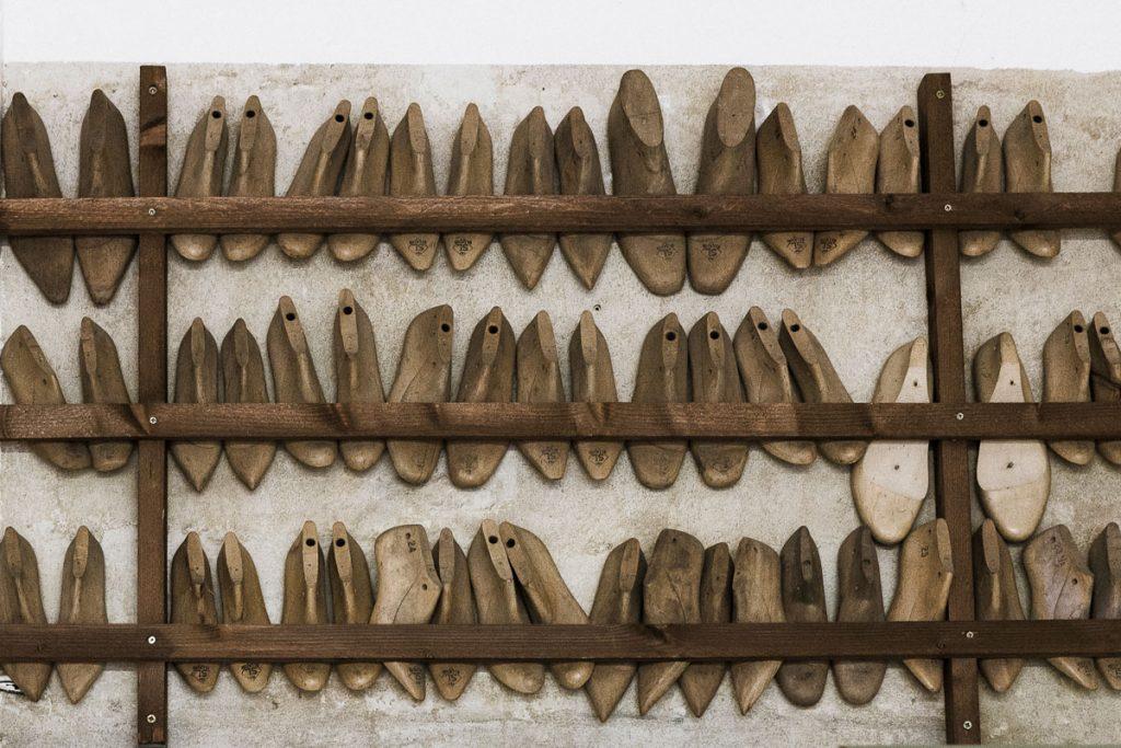 Leisten in der Schumacherwerkstatt von John O'Hara | Foto: Giovanni Lo Curto