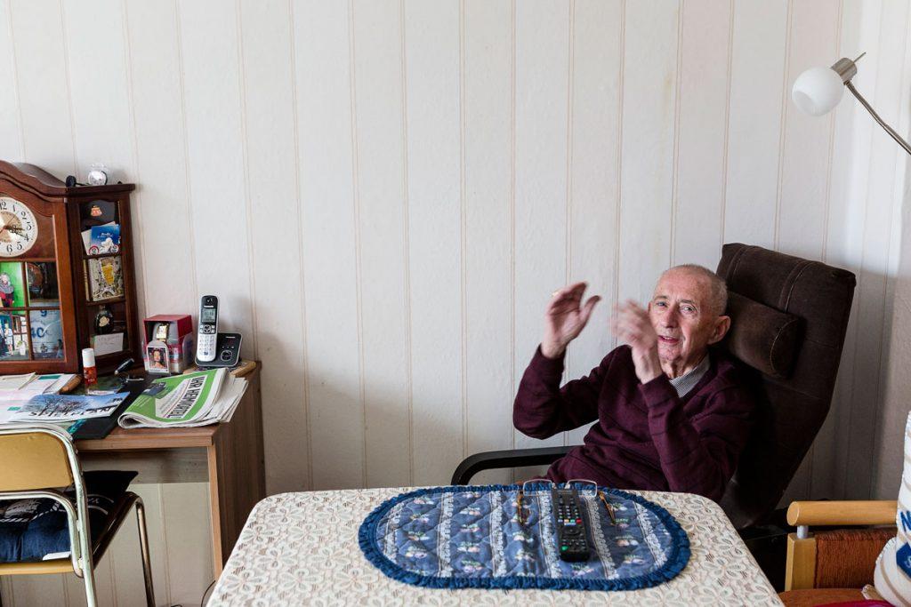 Arnold Hackbarth hat viele Geschichten erlebt | Foto: Giovanni Lo Curto