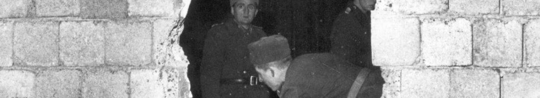"""Der """"antifaschistische Schutzwall"""" wird schon zu Weihnachten 1963 durchlässig / Quelle: FHXB-Museum /"""