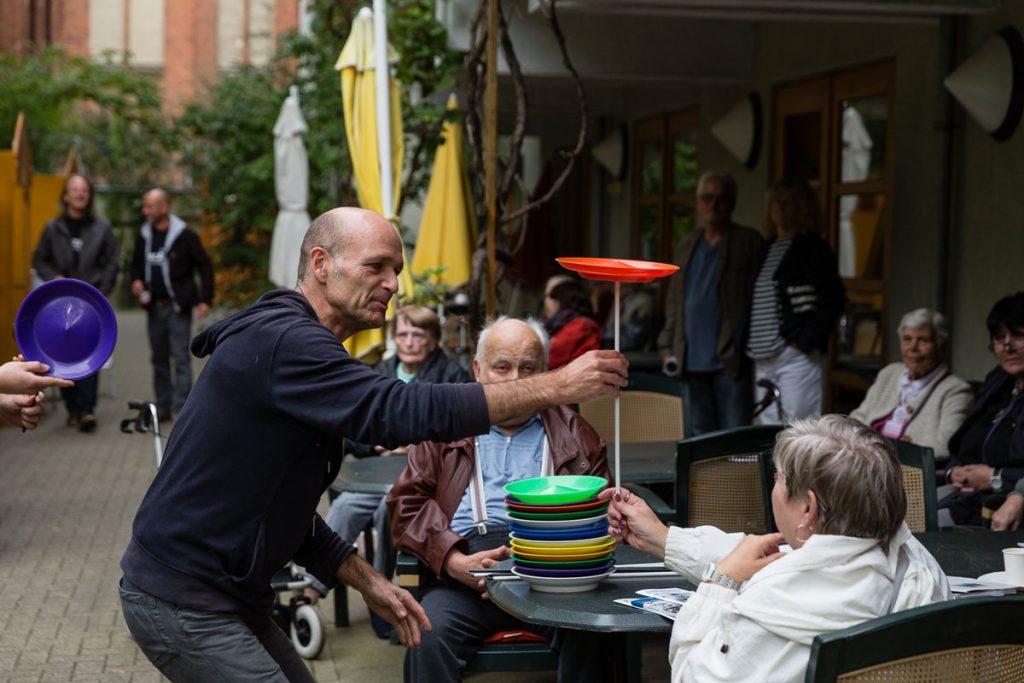 Das Große Pressefest der Kleinen mit Jens Helpap vom Friedrichshainer Zirkus Zack | Foto: Giovanni Lo Curto