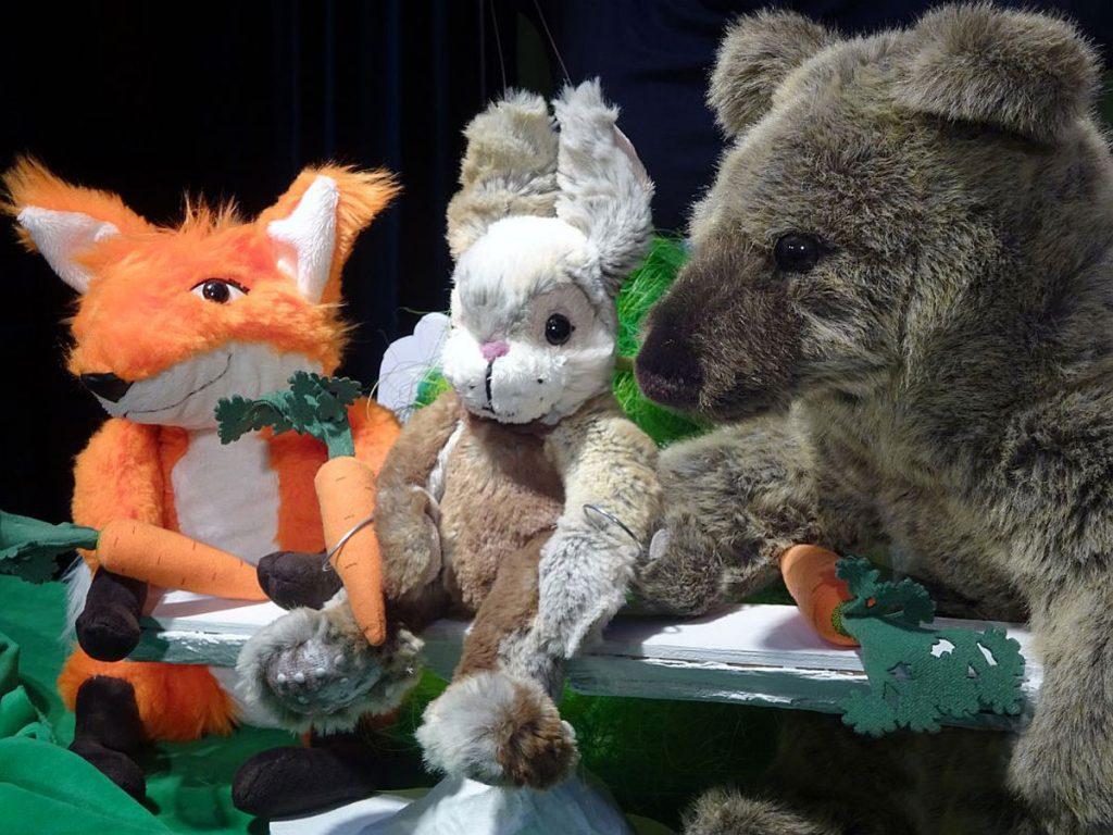 Kindertheater mit dem Stück Die Mücke und der Bär   Bild: © Theater der kleinen Form