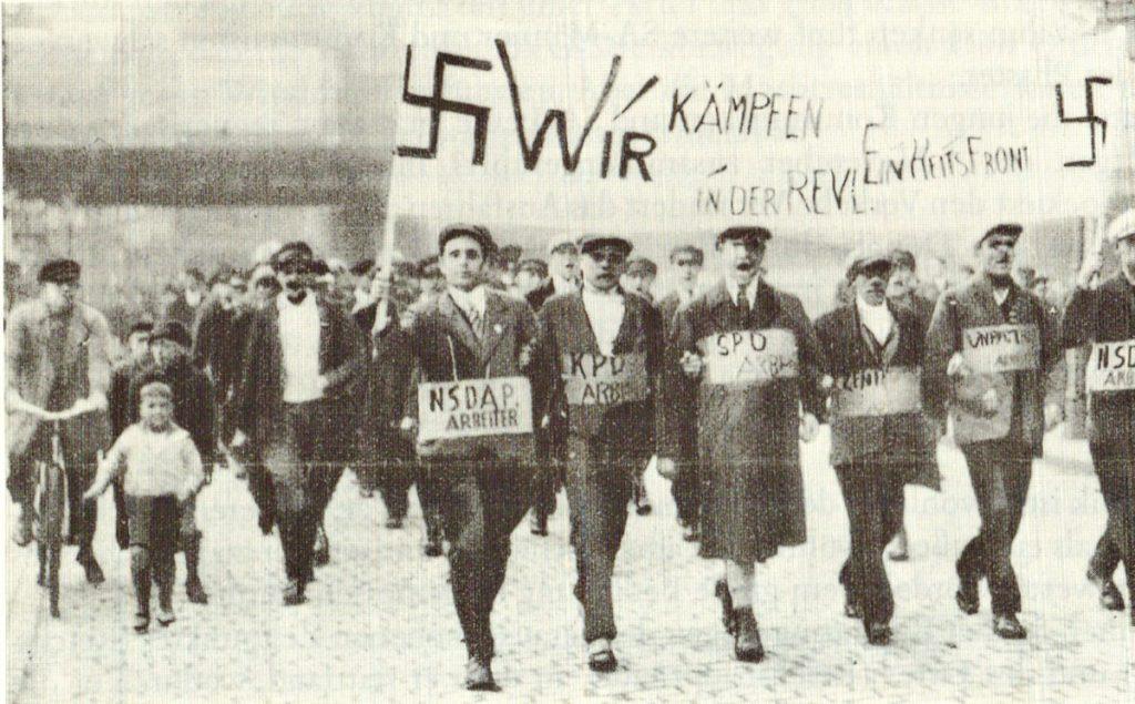 im Streik gegen die BVG, aber nur per Fotomontage. | Quelle: Der Rote Stern November 1932