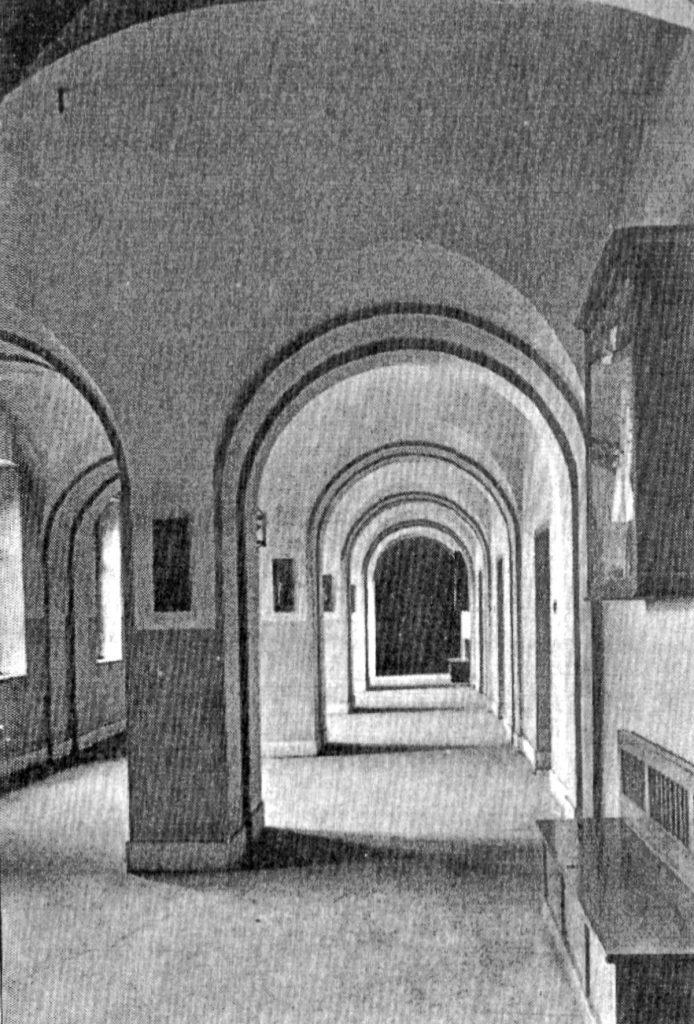 |Korridore im Andreasgymnasium, 1936 Quelle: Privat Foto vor 1914