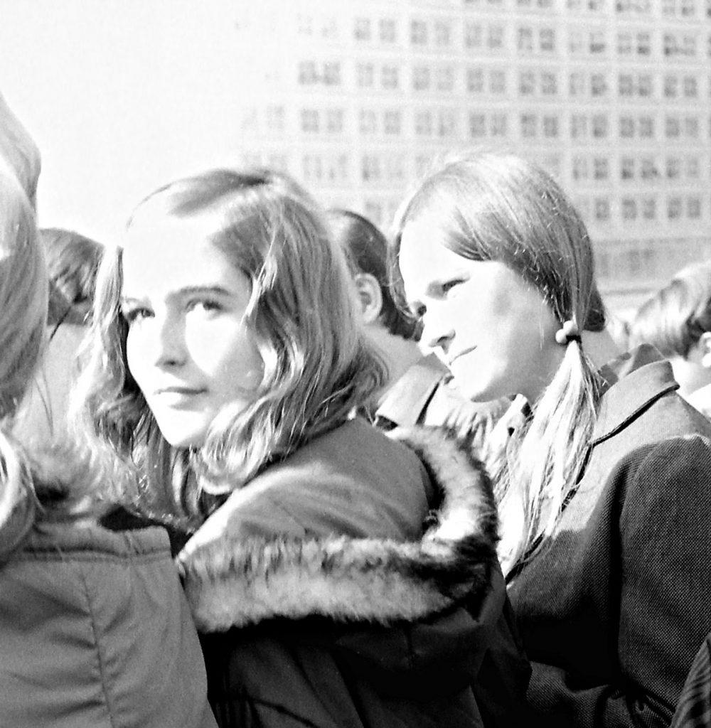Die Redaktion erzählt Geschichten: Der Blick am 20. Jahrestag der DDR, 1969 | Foto: Detlef Krenz