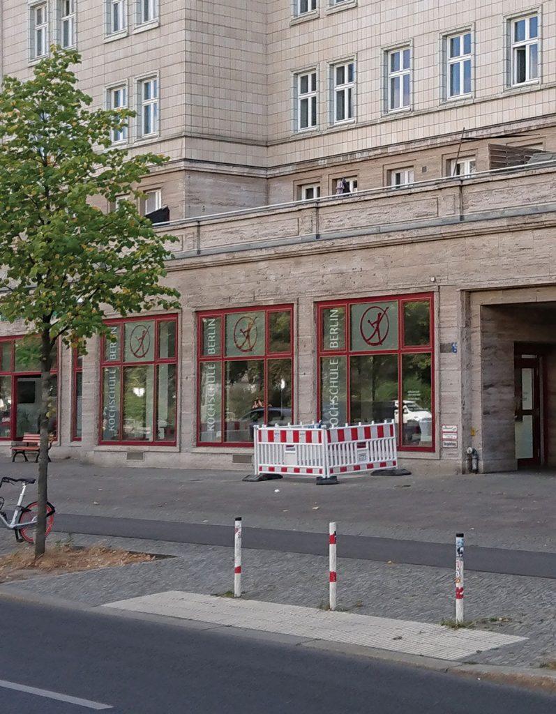 Die Kochschule Berlin in der Karl-Marx-Allee| Foto: Dirk Moldt