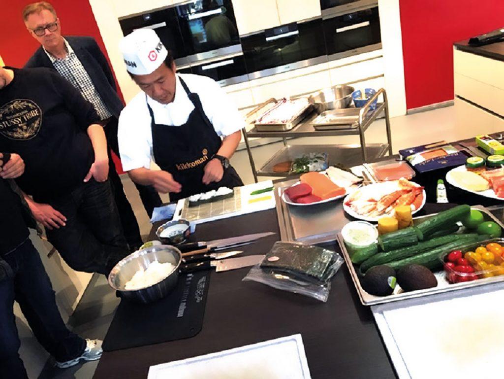 Leckere Sushi werden auch in der Kochschule Berlin in der Karl-Marx-Allee zubereitet   Foto: Kochschule Berlin