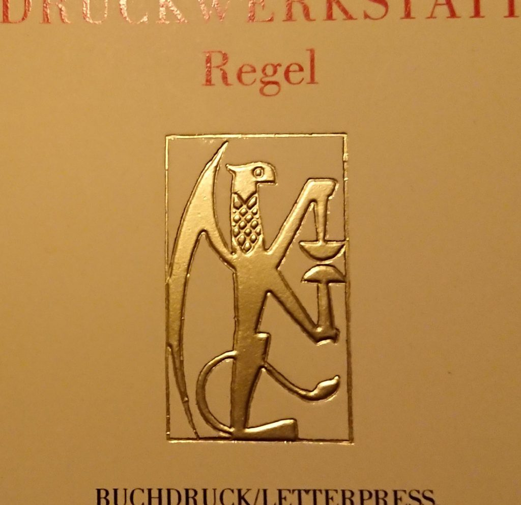 Wappen der Druckwerkstatt Regel | Foto: Dirk Moldt