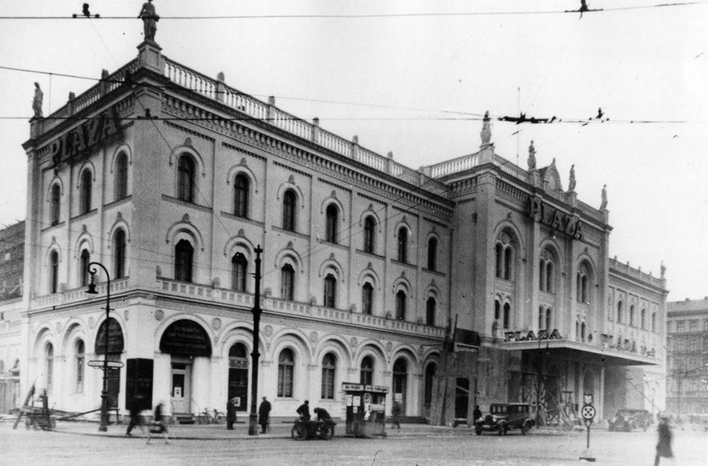 Plaza, 1925 | Foto: FHXB-Museum
