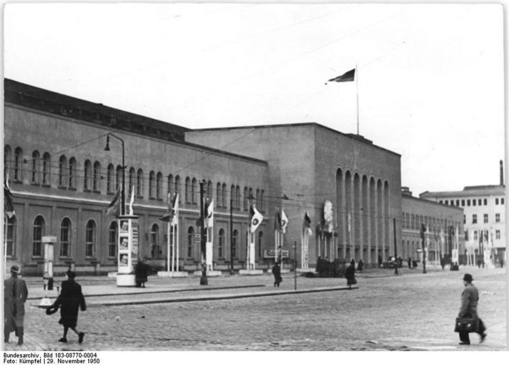 Der Hauptbahnhof | Quelle: Bundesarchiv