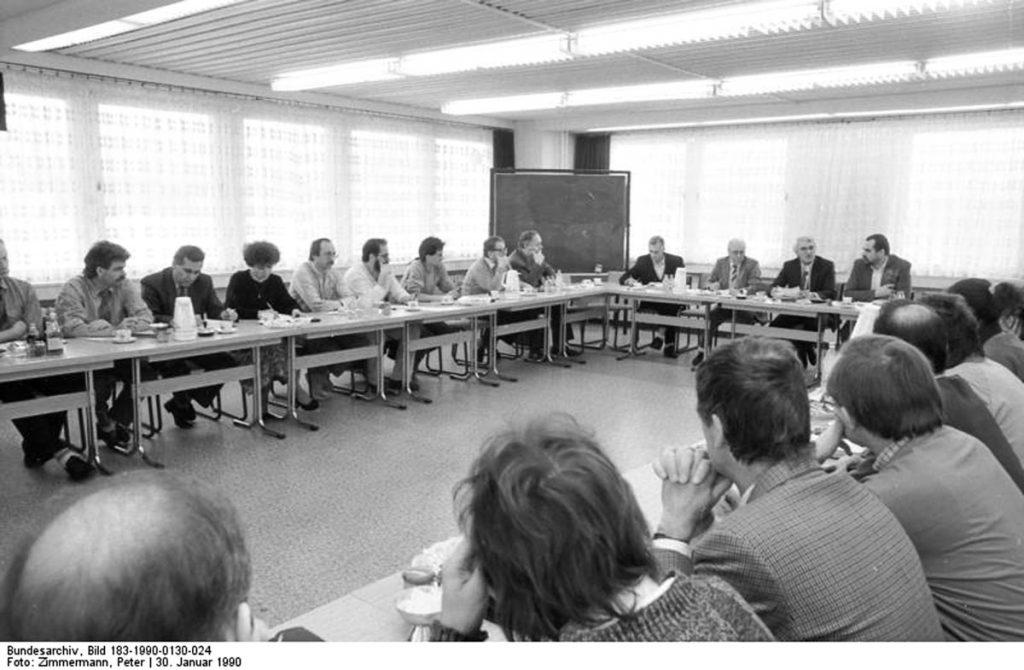 Der Runde Tisch | Quelle: Bundesarchiv
