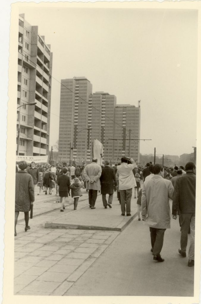 Bildreportage Die Einweihung des Lenindenkmals – mit Hindernis Von Dirk Moldt, Fotos von Hans-Joachim Hellwig