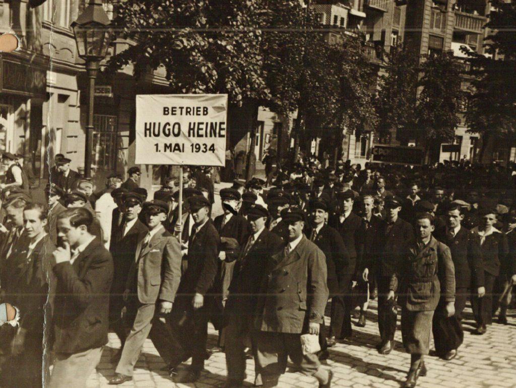 Arbeiter der Propellerfabrik Hugo Heine am 1. Mai 1934 | Quelle: Jubiläumsbuch 1937