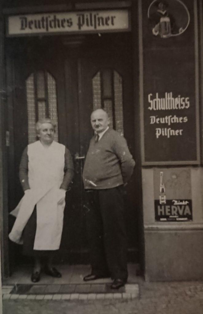 Hedwig und Hermann Krüger vom Krüger Eck in Berlin-Friedrichshain| Foto: privat