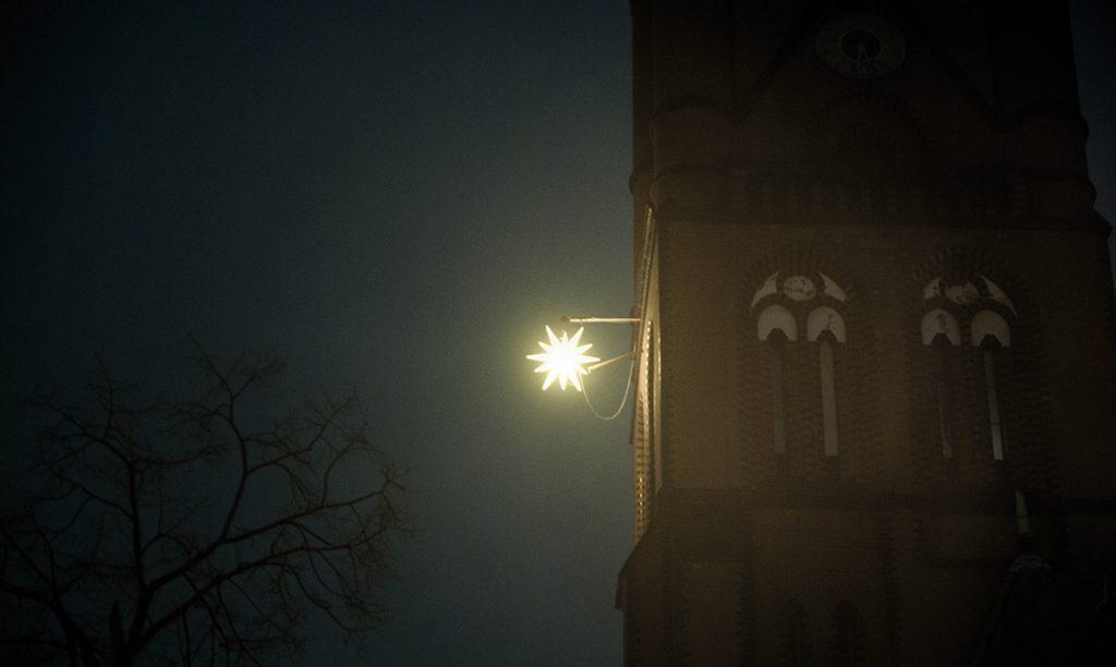 Adventsstern der Samariterkirche | Foto: Kiezweihnacht