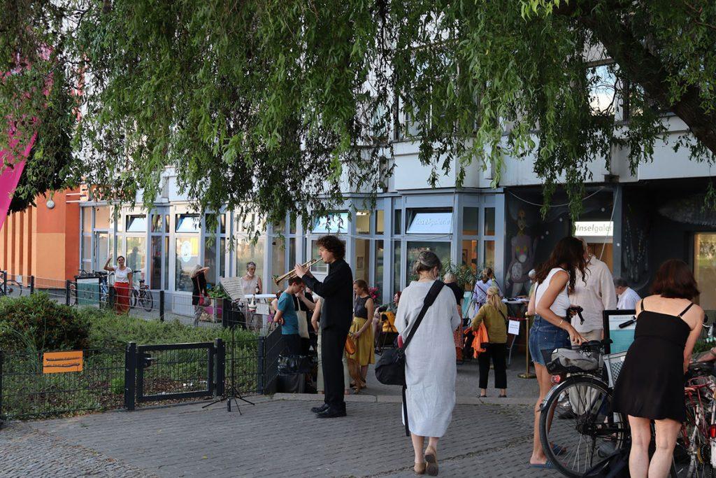 Die Inselgalerie Berlin am Bersarinplatz | Foto: INSELGALERIE