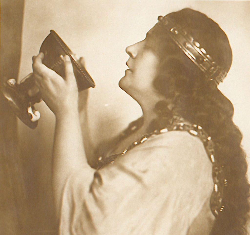 Theaterschauspielerin | Quelle: Postkarte