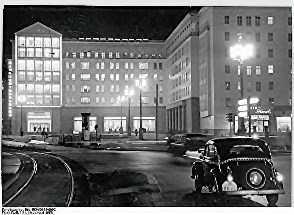 Das Haus für Sport und Freizeit, 1958 | Foto: Weiß, Bundesarchiv Bild 183-60191-0002, Wiki Commons.