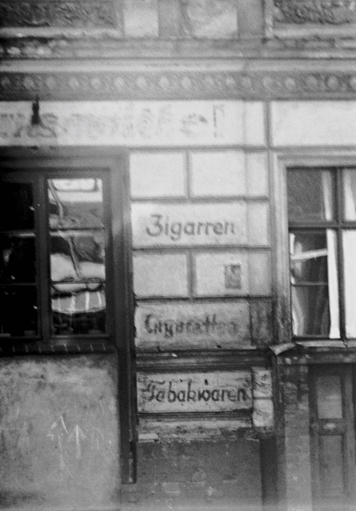Tabaklädchen | Quelle: Der Arbeiterfotograf
