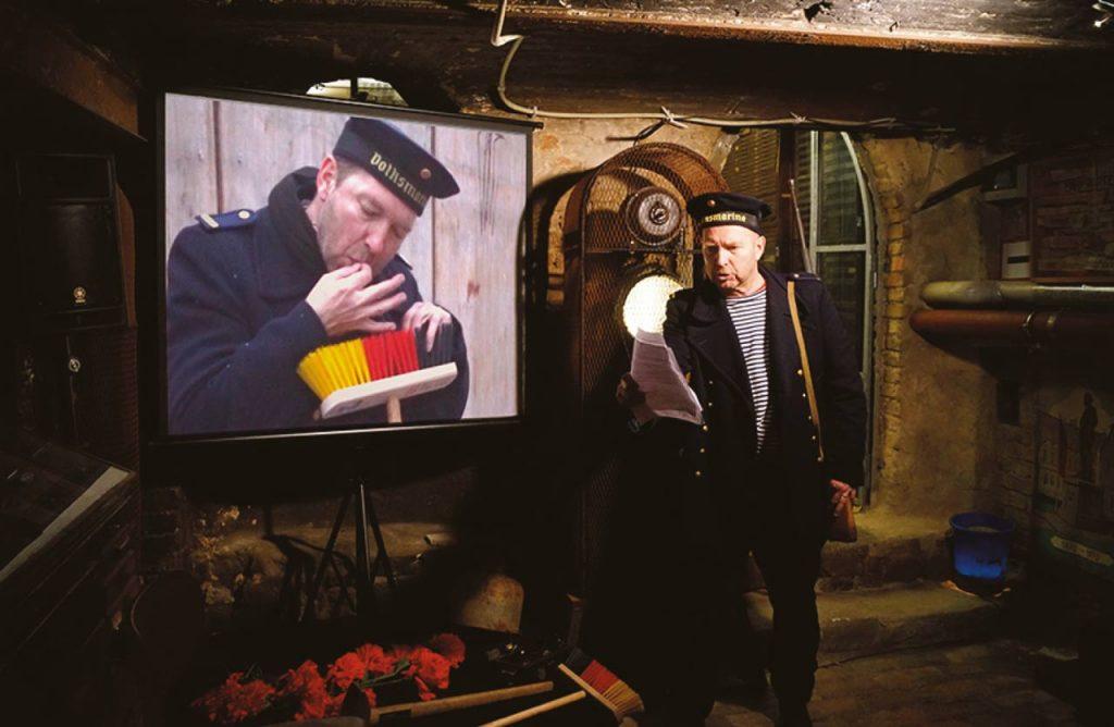 Volksmarine 100 Jahre Weihnachtskämpfe, APA II AutoProvokationsArtistik, Rainer Görß, 2018. Foto: A. Rudolph
